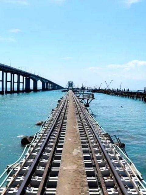 भारतातील पहिला आकर्षक वर्टिकल लिफ्ट समुद्र पूल
