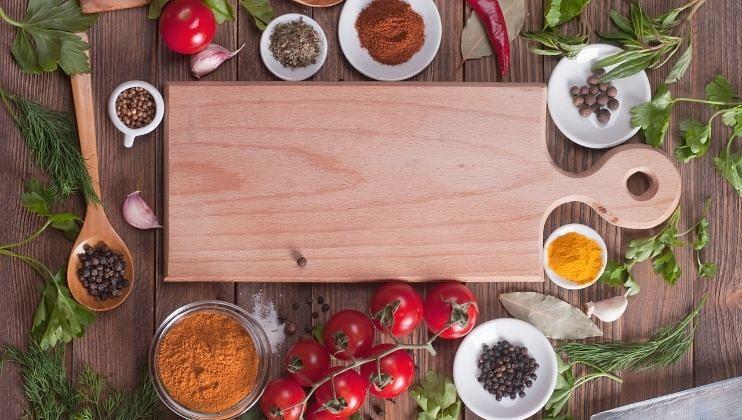 Kitchen Tips: चॅापिंग बोर्ड खरेदी करतांना घ्यावी ही काळजी