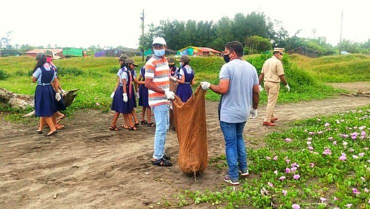 मोरजी किनारी वन्य विभागातर्फे स्वच्छता मोहीम