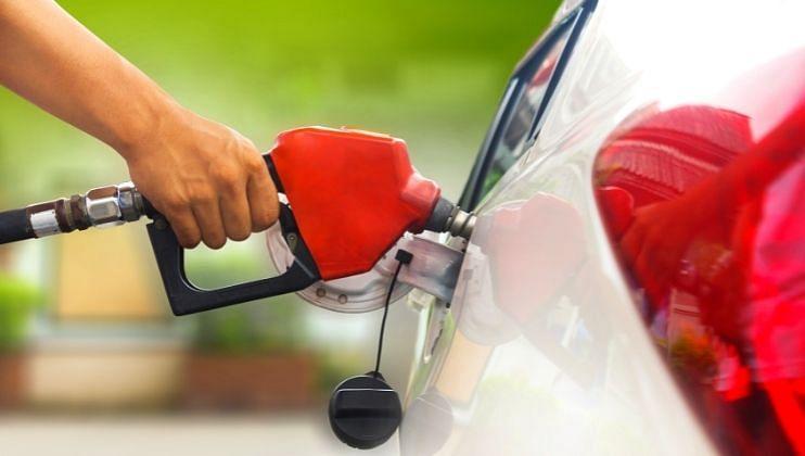 गोव्यात पहिल्यांदा पेट्रोलचे दर शंभरी पार