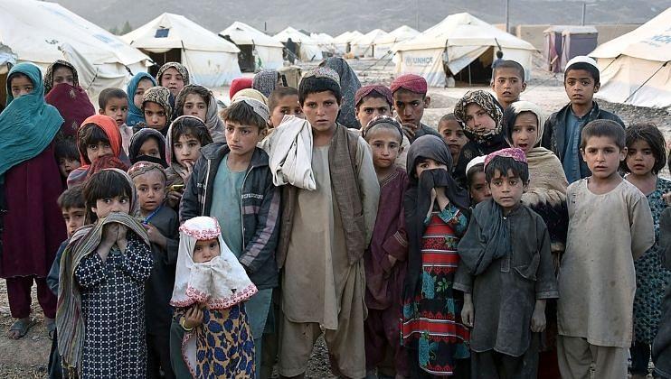 तालिबानी राजवटीत लाखो अफगाण मुले उपासमारीने त्रस्त: युनिसेफ रिपोर्ट