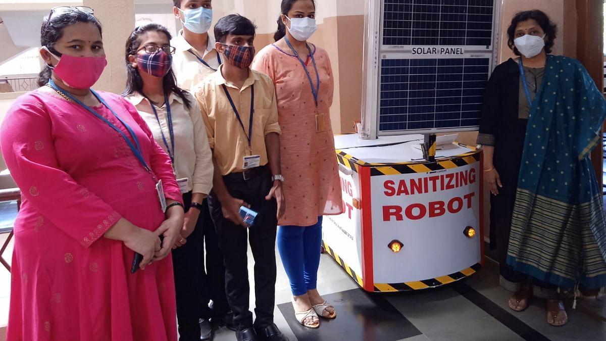 गोव्यात सेनिटाईझेशनसाठी रोबोटची अभिनव निर्मिती