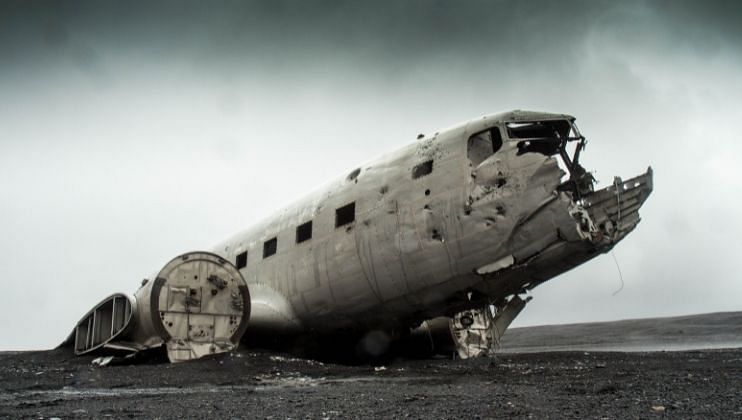 रशियामध्ये प्रवासी विमान कोसळले, 16 जणांचा मृत्यू झाल्याची शक्यता!