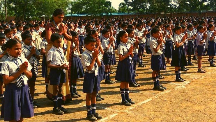 शाळा सुरु करतांना ठाकरे सरकार करणार विशेष 'हेल्थ क्लिनिक'!