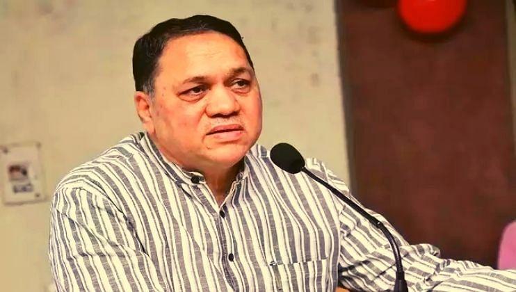 'महाराष्ट्र संकटात असेल तर आम्ही कर्ज काढून समस्या सोडवू'