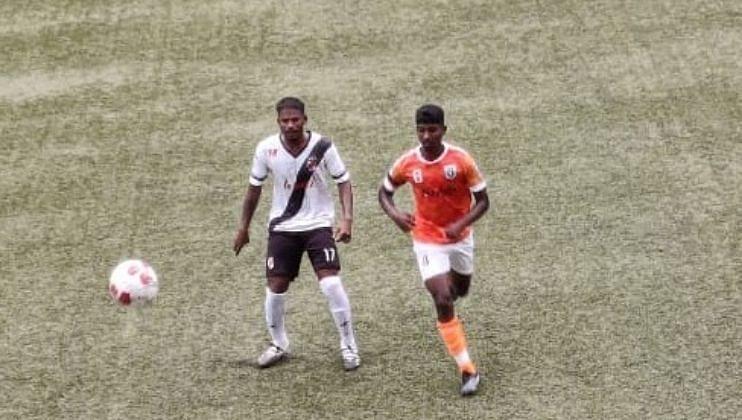 गोवा प्रोफेशनल लीग फुटबॉल स्पर्धेतील लढत नाट्यमय...