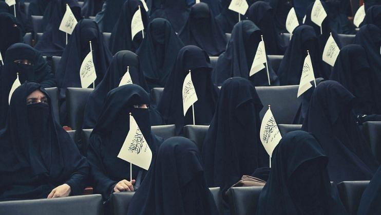 तालिबान अखेर नमलं; मंत्रिमंडळात महिलांना स्थान देऊ मात्र...