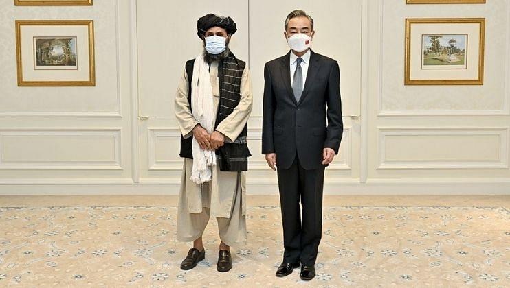 चीन तालिबानमध्ये बैठक,महिलांच्या अधिकारांसह या मुद्द्यांवर चर्चा