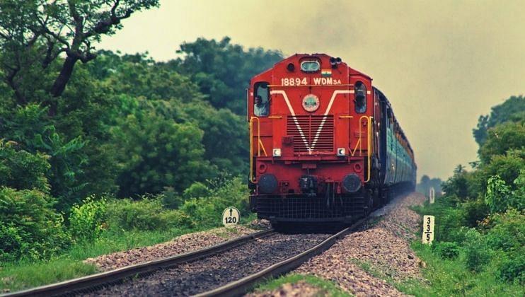 फेस्टिवल स्पेशल ट्रेन'; सणासुदीत प्रवाशांना रेल्वेचं गिफ्ट