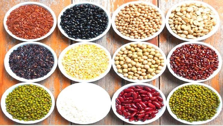 मोड आलेल्या कडधान्यामध्ये मुबलक प्रमाणात  पोषक घटक असतात. तसेच व्हिटॅमिन बी 12 असल्याने यांचे आहारात समावेश करणे फायद्याचे ठरते.