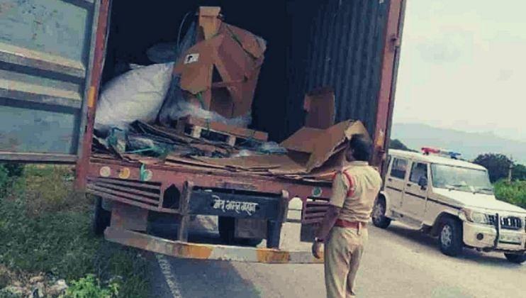 हायवेवर 'अजब चोरीची गजब कहानी' 7 कोटी रुपयांच्या मोबाइल्सनी भरलेला ट्रकच पळवला
