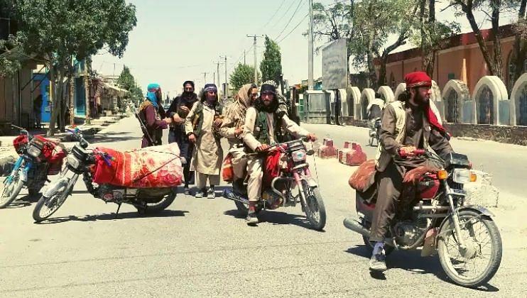 तालिबानने केले इस्लामिक स्टेटच्या ठिकाणांवर हल्ले