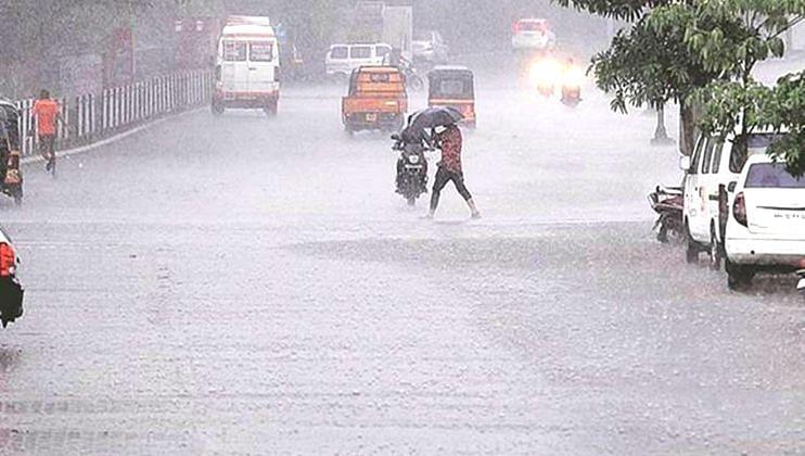 केरळमध्ये मुसळधार पाऊस; हवामान विभागाने रेड आणि ऑरेंज अलर्ट केला जारी