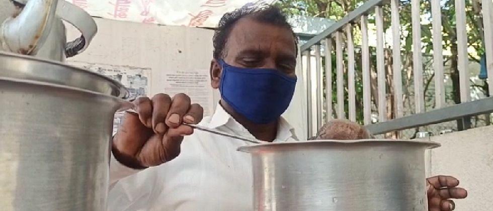बारामतीच्या चहावाल्याची मोदींना दाढी करण्यासाठी 100 रुपयांची मनीऑर्डर