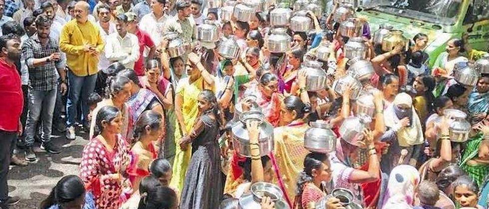 गोवा: पर्वरी, साळगावासीयांना मिळेना पाणी; संतप्त नागरिकांचा पाणीपुरवठा विभागावर  मोर्चा