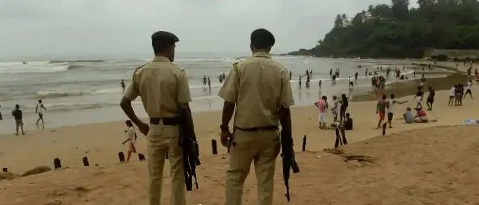 गोवा: सार्वजनिक ठिकाणी मास्क न घालणाऱ्यांवर कलंगुट पोलिसांची धडक कारवाई