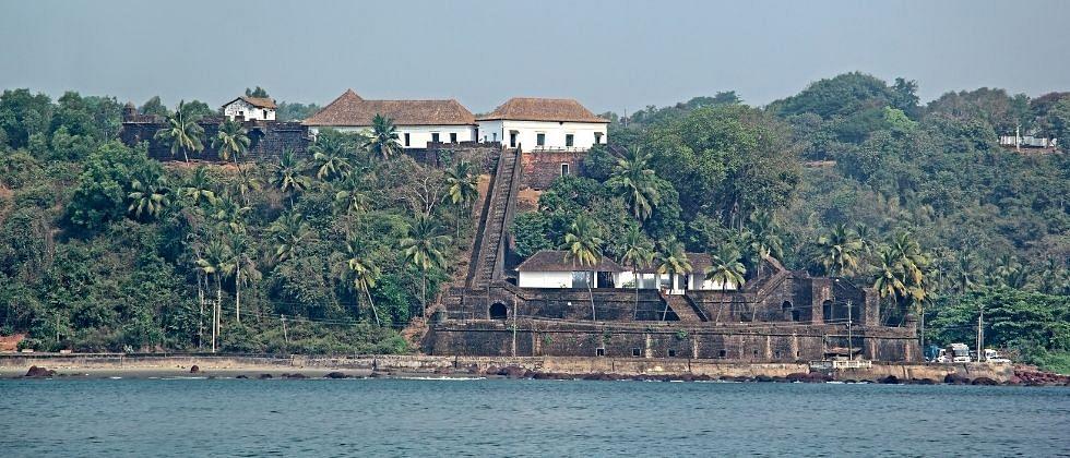 Goa: रेईश-मागूश किल्ल्याची संरक्षक भिंत कोसळणार