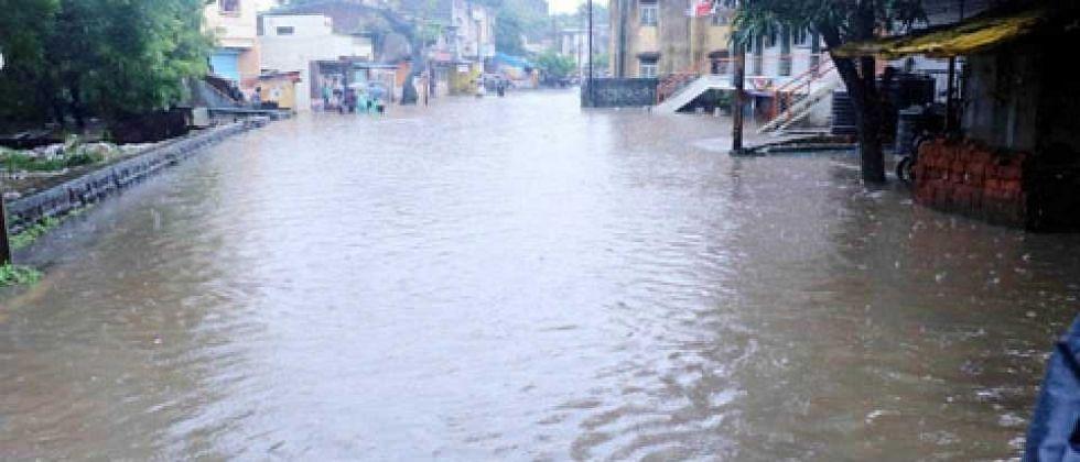 सिंधुदुर्ग जिल्ह्यामधील , कुडाळ तालुक्यातील 27 गावांचा संपर्क तुटला