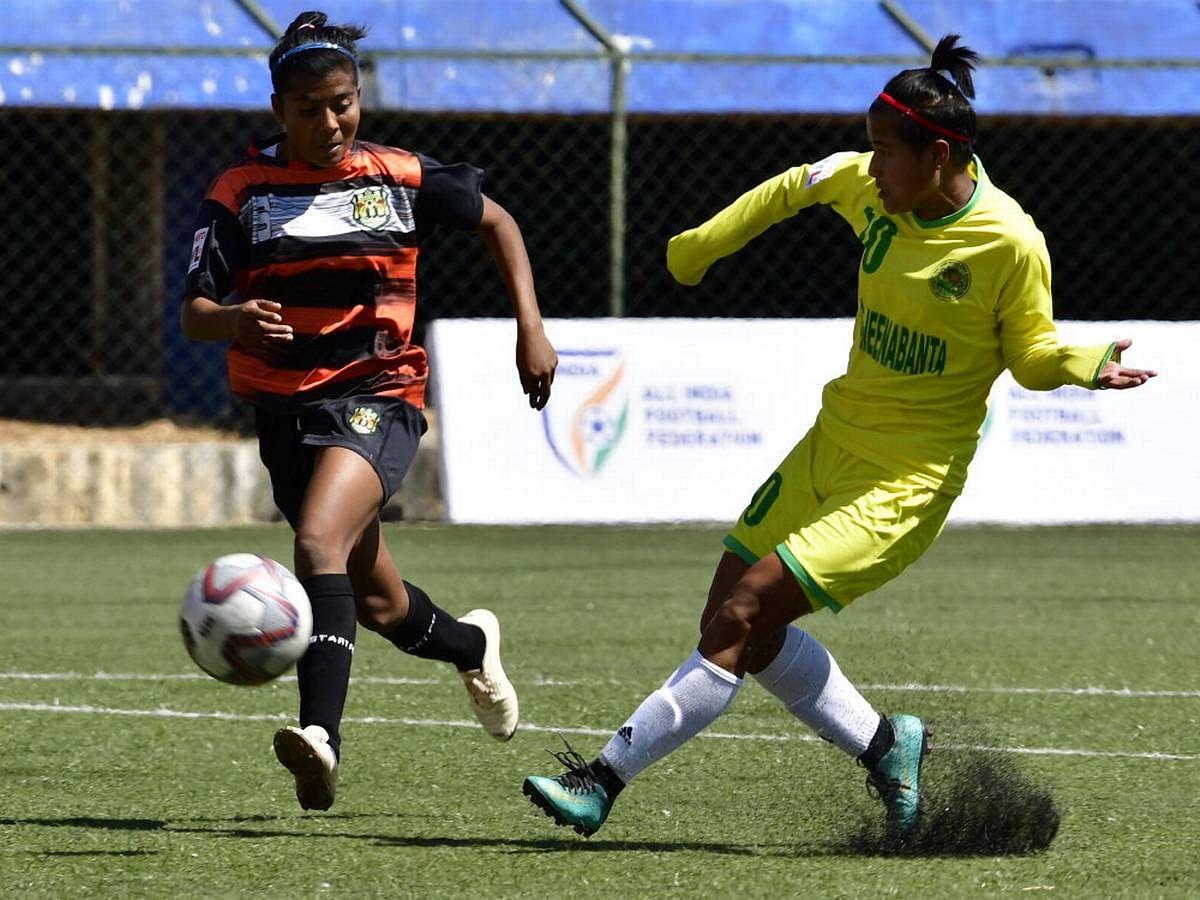 भारतातील फुटबॉलमध्ये महिला संघास प्राधान्य