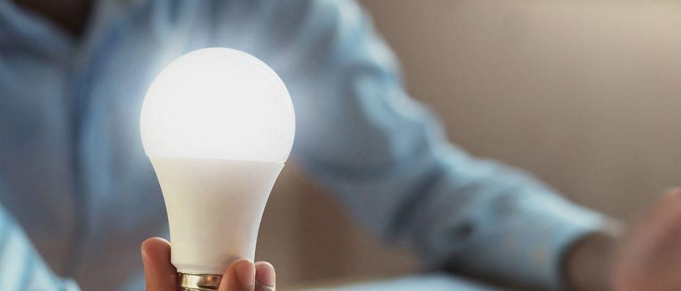 एक लाख तास चालणार व्हाइट LED बल्ब; मराठी तरूणाला ऑस्ट्रेलियाकडून अनुदान