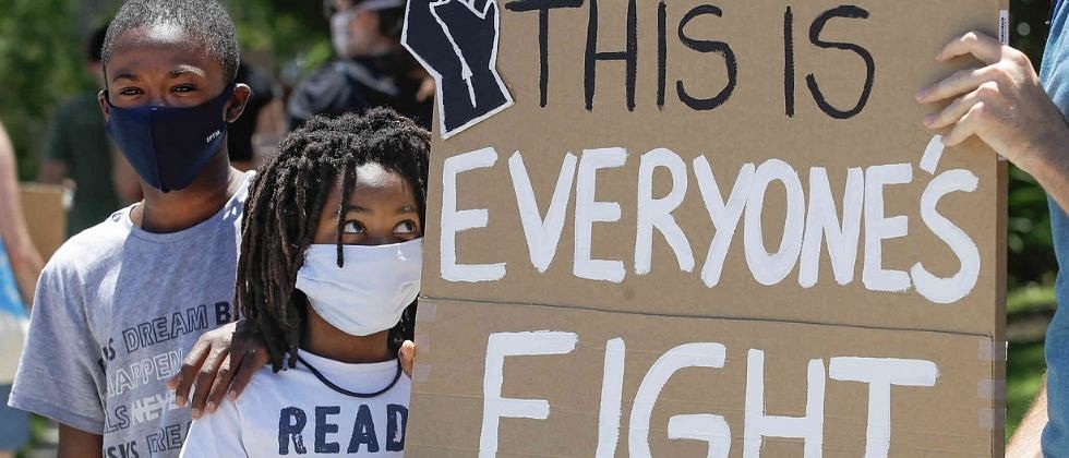 अमेरिकेत पुन्हा वर्णद्वेषाविरोधात हजारो लोक उतरले रस्त्यावर