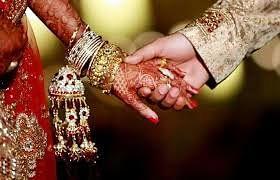 लग्न समारंभामुळं पसरला 'करोना' ; सहा लाखांचा दंड