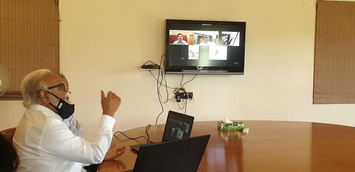 Bhujbal unveils Health Prime Nashik App