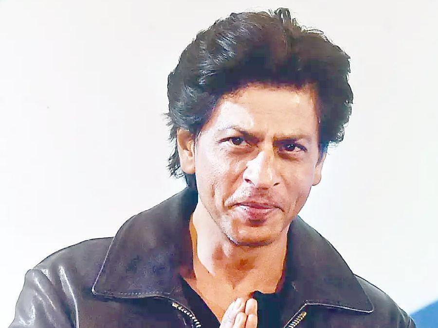 'बीग बीं'ना कोरोना झाल्यानंतर शाहरुखने घेतला धसका