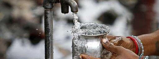 मुख्य जलवाहिनी फुटल्याने पाणीपुरवठा विस्कळीत