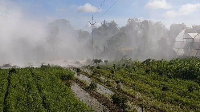 जलवाहिनी फुटल्यानेे शेतकर्यांचे नुकसान