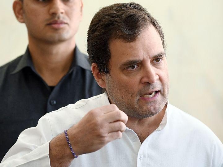 हाथरस  : राहुल गांधी, प्रियंका यांनी घेतली पीडितेच्या कुटुंबाची भेट