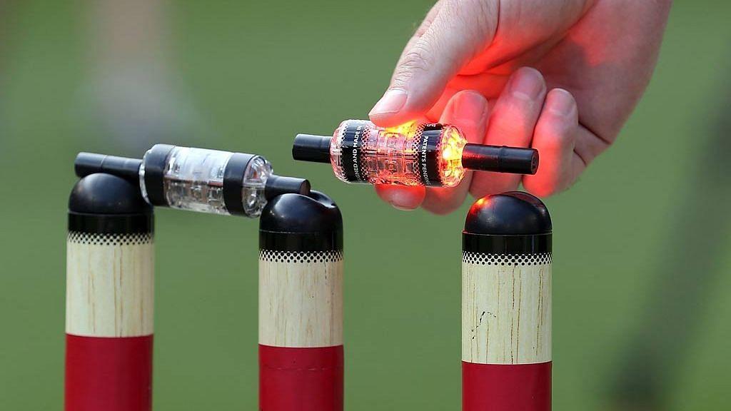 नव्या नियमांसह ११८ दिवसांनंतर आजपासून रंगणार क्रिकेटचा थरार