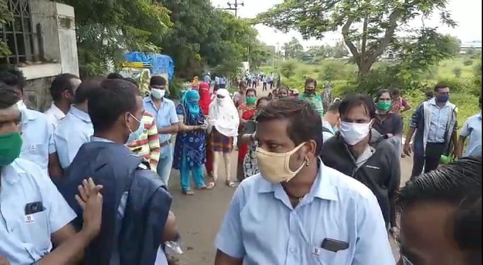 इगतपुरी : नऊ दिवसांपासून ३९ कर्मचाऱ्यांचे कुटुंबासह आंदोलन