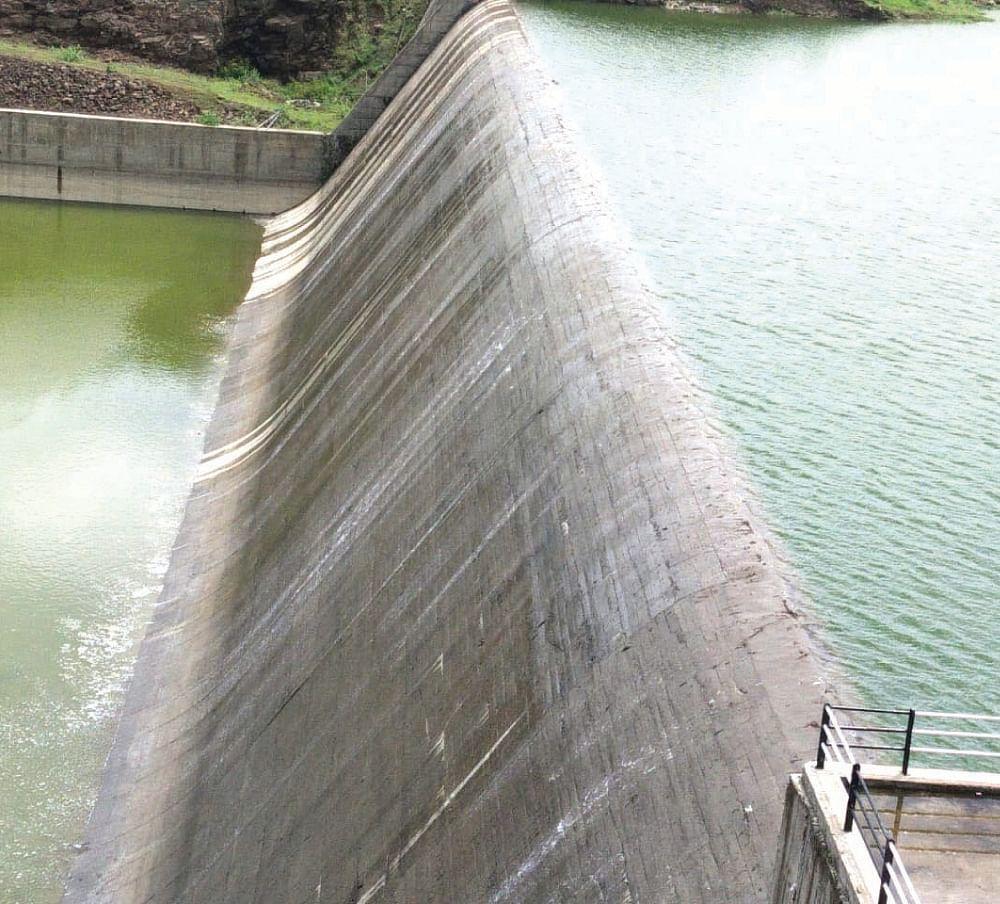 100 क्युसेकने मुळा नदीत पाणी