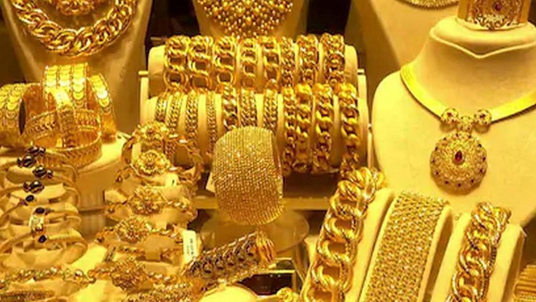 सोने ४०० रूपयांनी वधारले