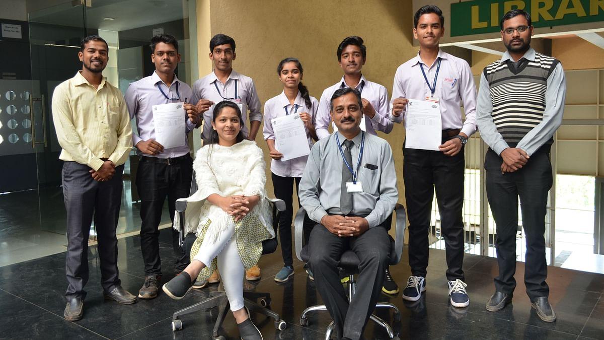 ऑनलाईन मुलाखतीद्वारे ५ विद्यार्थ्यांना मिळाली नोकरी