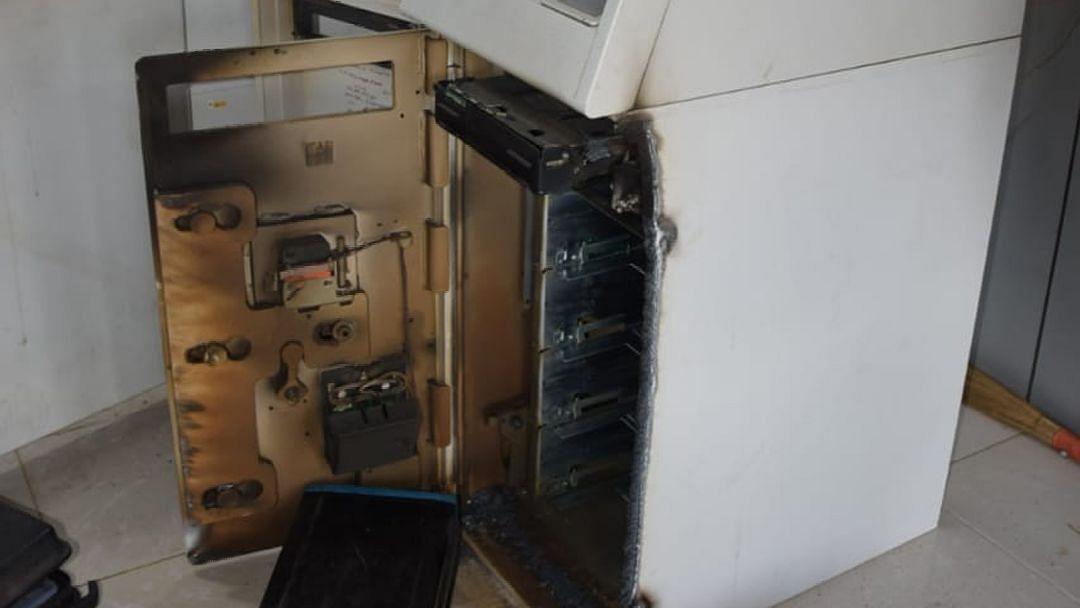 जळगाव : शिव कॉलनाजवळील एटीएम फोडले