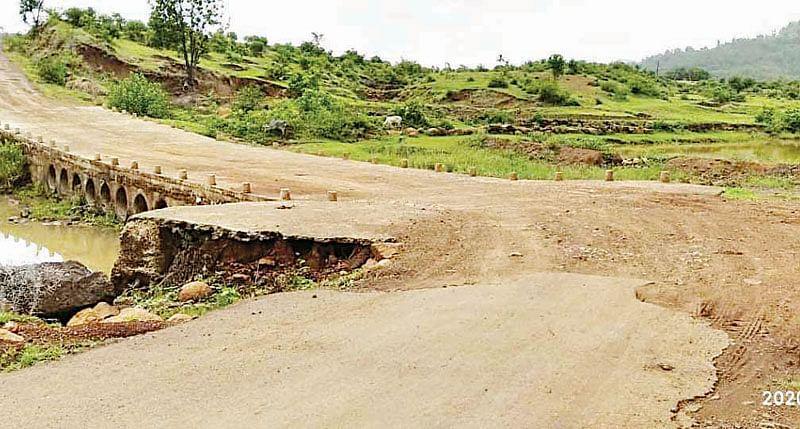 सुरगाणा : पळसन भागात रस्त्यांची दैना