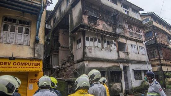 Fort building collapse : Toll reaches to 5