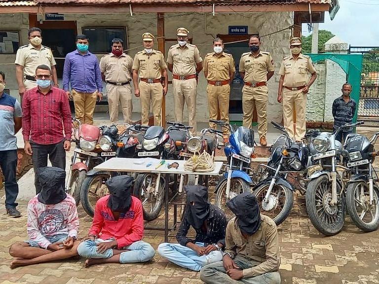सराईत गुन्हेगारांची टोळी पोलिसांच्या ताब्यात