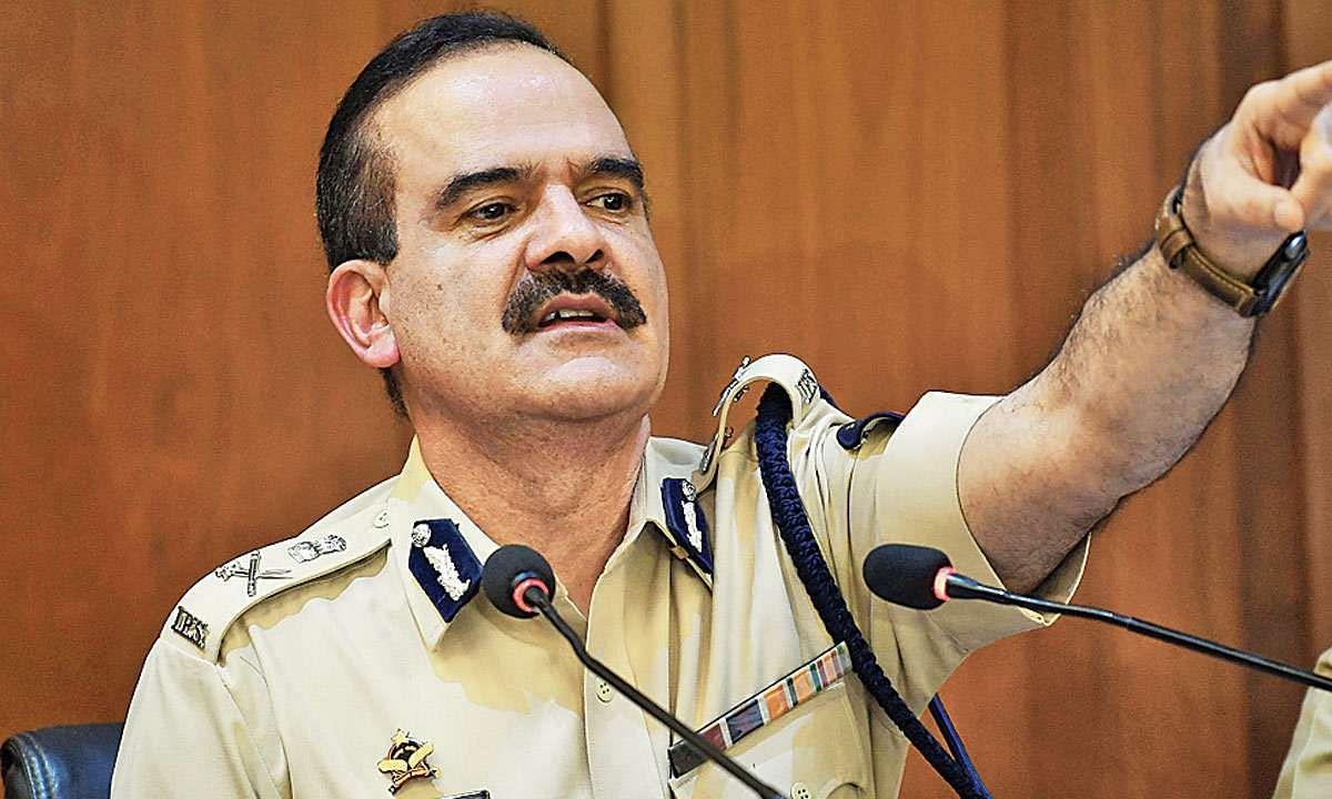 SSR : मुंबई पोलीस आयुक्तांना निलंबित करून चौकशी करा