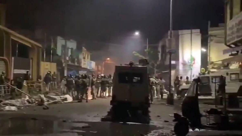 बंगळुरुमध्ये हिंसाचार : तीन मृत्यू, ६० जखमी