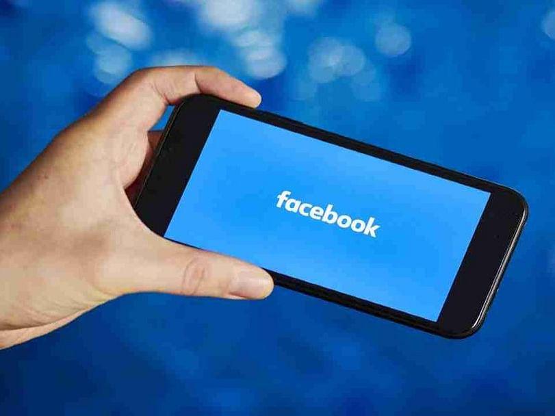 बनावट फेसबुक अकाऊंटद्वारे फसवणूक करण्याचा प्रयत्न