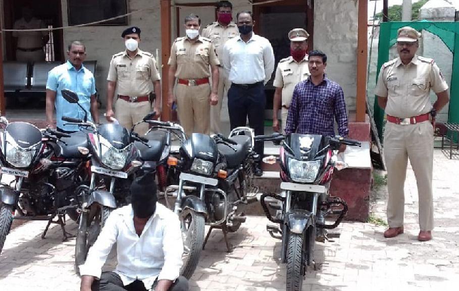 दुचाकी चोराच्या राहुरी पोलिसांनी मुसक्या आवळल्या