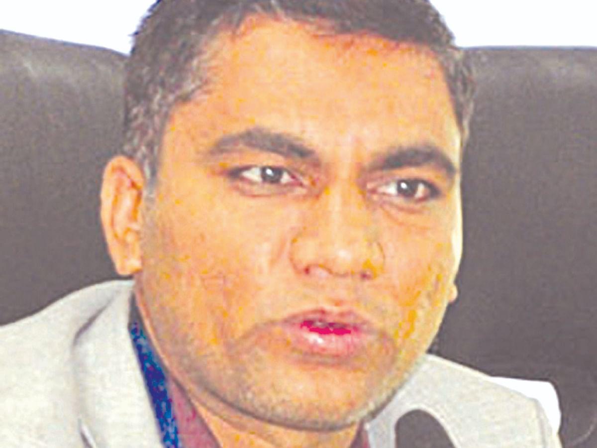 दररोज किमान 300 स्वॅब नमुने तपासणीसाठी घ्याःडॉ.राजेंद्र भारुड