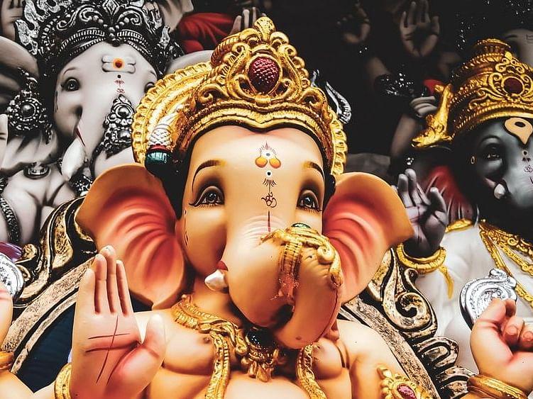 Ganeshotsav 2020 : नेत्यांनी केले बाप्पाचे स्वागत !