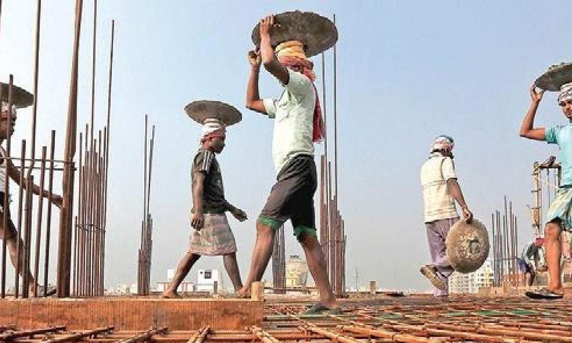 औजारे खरेदी अर्थसहाय्य बंद केल्याने बांधकाम कामगारांमध्ये नाराजी