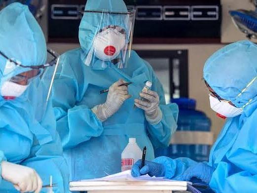 Covid-19 : देशात ४ लाखांच्यावर रुग्णांवर उपचार सुरु, जाणून घ्या महाराष्ट्रातील स्थिती