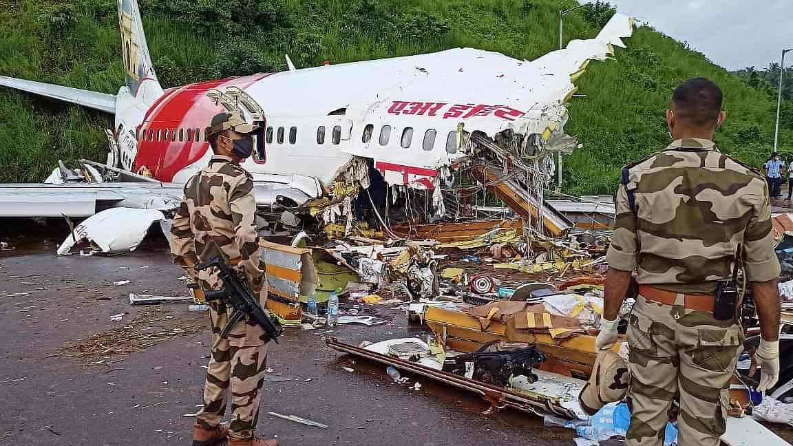 केरळ विमान दुर्घटना : जखमींपैकी दोघांचा  अहवाल करोना पॉझिटिव्ह