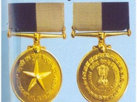 नाशिकच्या चार अधिकार्यांना राष्ट्रपती पदक